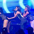 06 de abril de 2014 - Anitta mostra energia pouco tempo após ter feito plásticas no corpo