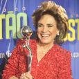 Em 2011, Regina Duarte  recebeu o troféu Mário Lago das mãos da apresentadora Hebe Camargo e apostou no visual com fios no estilo bagunçado