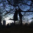 Claudia Raia e Jarbas Homem de Mello se beijam no Central Park, em Nova York