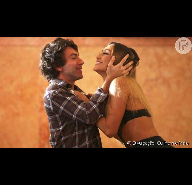 Sabrina Sato ganha elogios de Rodrigo Pandolfo, seu par romântico no filme 'Concurso Público', em 23 de janeiro de 2013