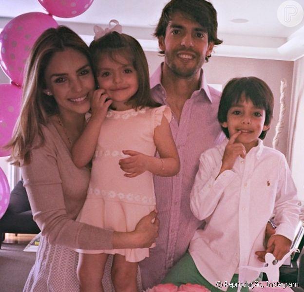 Carol Celico e Kaká fizeram uma festa cor-de-rosa para comemorar o aniversário de 3 anos de Isabella, a filha caçula do casal: 'Princesa Isabella! Nós te amamos demais!', escreveu Carol na legenda da imagem publicada em seu Instagram