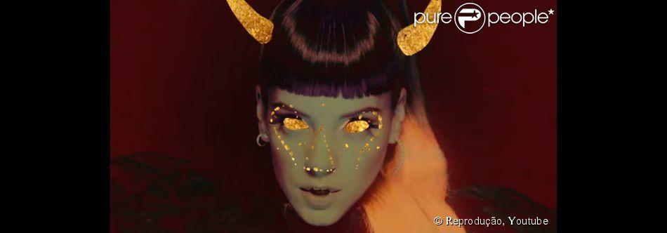 Lily Allen lança álbum com sátira a Kanye West e critica cantoras pop em single                              Normal     0             21             false     false     false         PT-BR     X-NONE     X-NONE