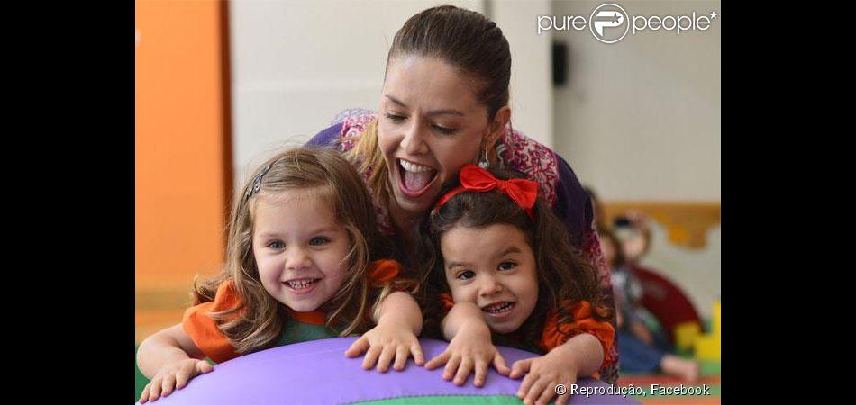 Beatriz e Sofia, filhas gêmeas de Bianca Rinaldi, completam 5 anos neste sábado, 10 de maio de 2014