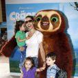 Bianca Rinaldi sempre aproveita as folgas para levar as filhas Beatriz e Sofia ao cinema e teatro