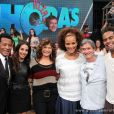 Jair Rodrigues posa com a família. Os filhos, Jairzinho e Luciana Mello, a nora Tania Kalill e mulher Clodine