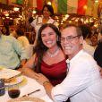 Luma de Oliveira posa com Carlinhos de Jesus