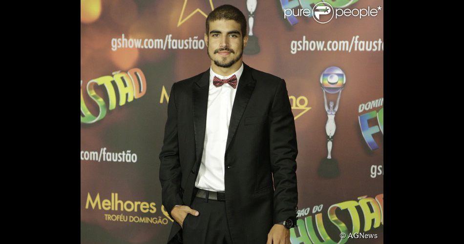 Caio Castro fará novela da Globo em 2015 e poderá ser par romântico de Tatá Werneck
