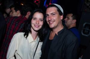 Nathalia Dill e o marido, Caio Soh, curtem show de Fiuk no Rio