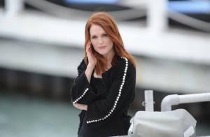 Julianne Moore grava talk show francês durante o Festival de Cannes 2014