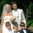 Maria Shatalova subiu ao altar com Pavel Pogrebnyak neste mês. Aos 25 anos, ela é mãe de três filhos: Artyom, Pavel  Jr e Alexey