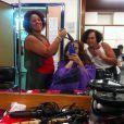 Giovanna Antonelli posta foto das duas cabeleireiras que cuidam do seu cabelo para a personagem Helô de 'Salve Jorge'