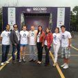 Maurício Torres ao lado dos colegas de trabalho da Record