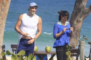 Reynaldo Gianecchini e Helena Ranaldi gravam 'Em Família' em praia do Rio