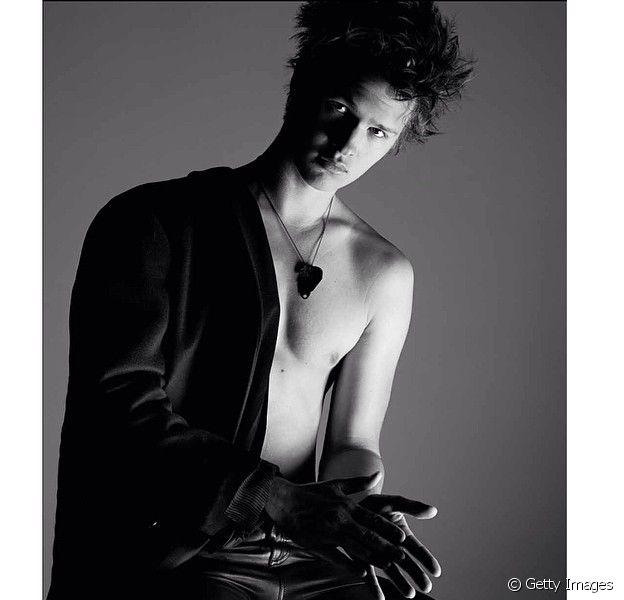 Ansel Elgort, de 'A Culpa é das Estrelas', posa sem camisa em ensaio sensual 11 de junho de 2014