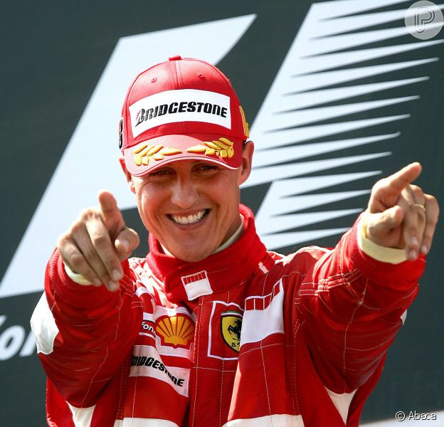 Michael Schumacher acorda do coma após seis meses internado, em 16 de junho de 2014