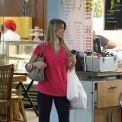 Susana Werner, mulher de Julio Cesar, faz compras em shopping durante a Copa