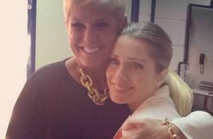 Letícia Spiller, após dizer que mentia para Xuxa, visita apresentadora no Projac