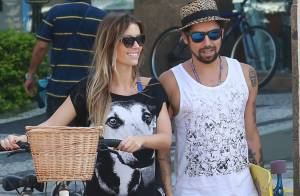 Juliana Didone faz passeio com o namorado, Flávio Rossi, no Rio de Janeiro