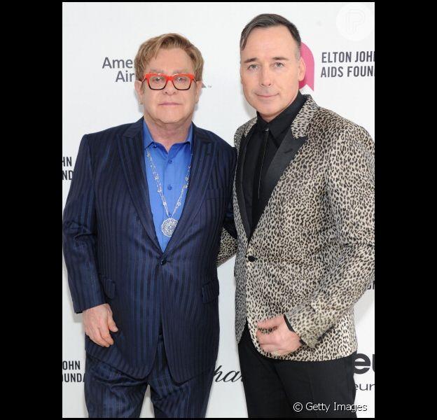 Elton John acredita que Jesus Cristo aceitaria a união entre casais gays