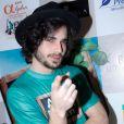 O cantor sofreu um acidente de carro na última quarta-feira, 2 de julho de 2014, mas não sofreu nenhum ferimento