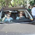 O cantor está namorando a atriz Thaís Fersoza, que sempre o acompanha em shows