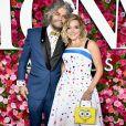 Wayne Coyne e a namorada, Katy Weaver, combinaram looks na 72ª edição do Tony Awards, realizada no Radio City Music Hall, em Nova York, neste domingo, 10 de junho de 2018
