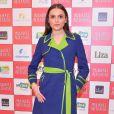 Monica Iozzi exibiu uma combinação de verde e azul no look  na pré-estreia do filme 'Mulheres Alteradas'