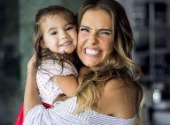 Deborah Secco teme que filha sofra preconceito no futuro: 'Filha da Deborah'