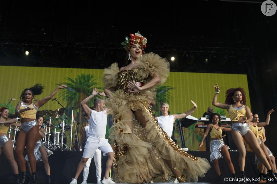 62c1c28ef1e1e Em show no Rock in Rio Lisboa, Anitta veste figurino em homenagem a Carmen  Miranda