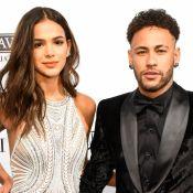 Em dia de jogo do Brasil, Neymar elogia Marquezine em foto: 'Lutadora linda'