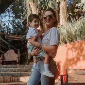 Aline Gotschalg ajusta sono do filho, Lucca, com consultora:'Estava desesperada'