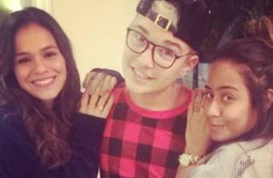 Bruna Marquezine se reúne com irmã de Neymar antes do craque deixar o Brasil