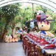 Andressa Suita deixou o restaurante com decoração temática, com direito a um urso gigante