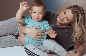 Andressa Suita nota semelhança com o filho: 'Nessa foto tô a cara da mamãe'