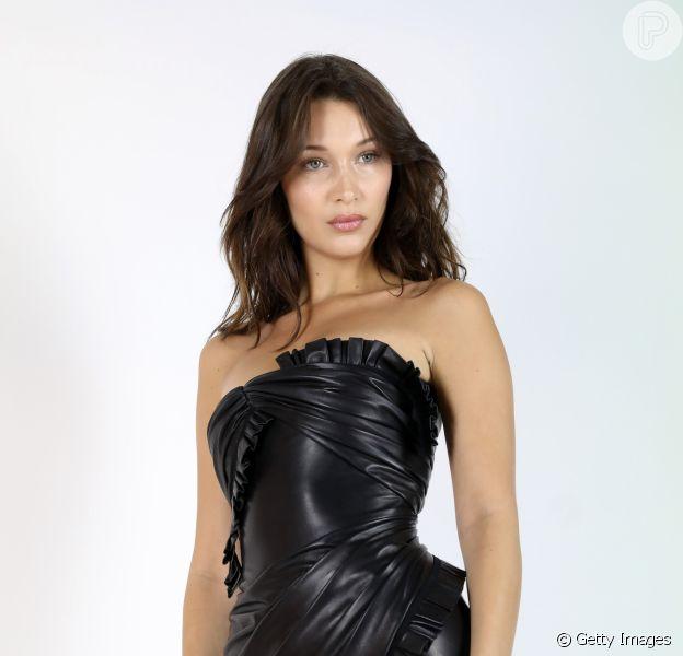 Nova campanha da Versace conta com 54 modelos no casting e ensina, em vídeo, como pronunciar corretamente o nome da marca, Bella Hadid está entre elas