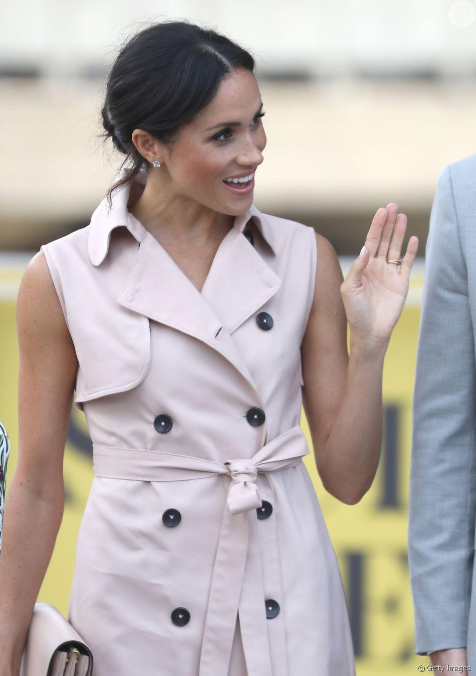 f08b00ecc76b Guarda-roupa milionário: Meghan Markle usou vestido-trench da marca House  of Nonie