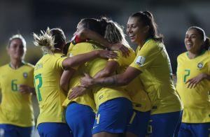 Dia Nacional do Futebol: conheça 7 jogadoras da seleção brasileira e se inspire!