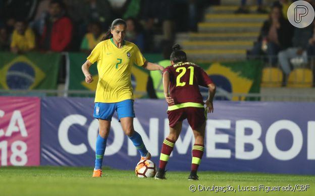 f4b7ed973c Dia Nacional do Futebol  conheça 7 jogadoras da seleção brasileira e ...
