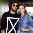 Laura Neiva e Chay Suede romperam o noivado após quatro anos de relacionamento