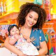 Juliana Alves compartilhou com os fãs os detalhes da celebração de 10 meses da filha