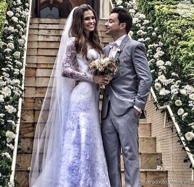 Emilio Orciollo Netto subiu ao altar no último domingo, 27 de julho de 2014, com a namorada, Mariana Barreto. Em seu Instagram o ator comemorou: 'Casamento sem filtro. Amo você'