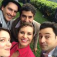 Paula Burlamaqui publicou uma foto ao lado de Emilio Orciollo Netto e de Nathalia Dill na festa de casamento do ator