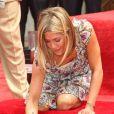 Jennifer Aniston deixou sua assinatura na passarela de Los Angeles