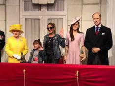 Ticiane Pinheiro e filha visitam museu de cera em Londres: 'Com a família real'
