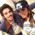 Chay Suede negou ter trocado telefone com Anitta nos bastidores do 'Altas Horas': 'Só uma foto'