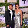 Bruna Marquezine e Neymar brilham a bordo de look Dolce & Gabanna 2ª edição do leilão beneficente do Instituto Neymar Jr., em São Paulo, em julho de 2018
