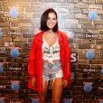 Bruna Marquezine usou short de brechó para ir ao Rock In Rio em 24 de agosto de 2017