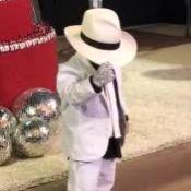 Filho de Simone, Henry 'vira' Michael Jackson em festa de aniversário. Vídeo!