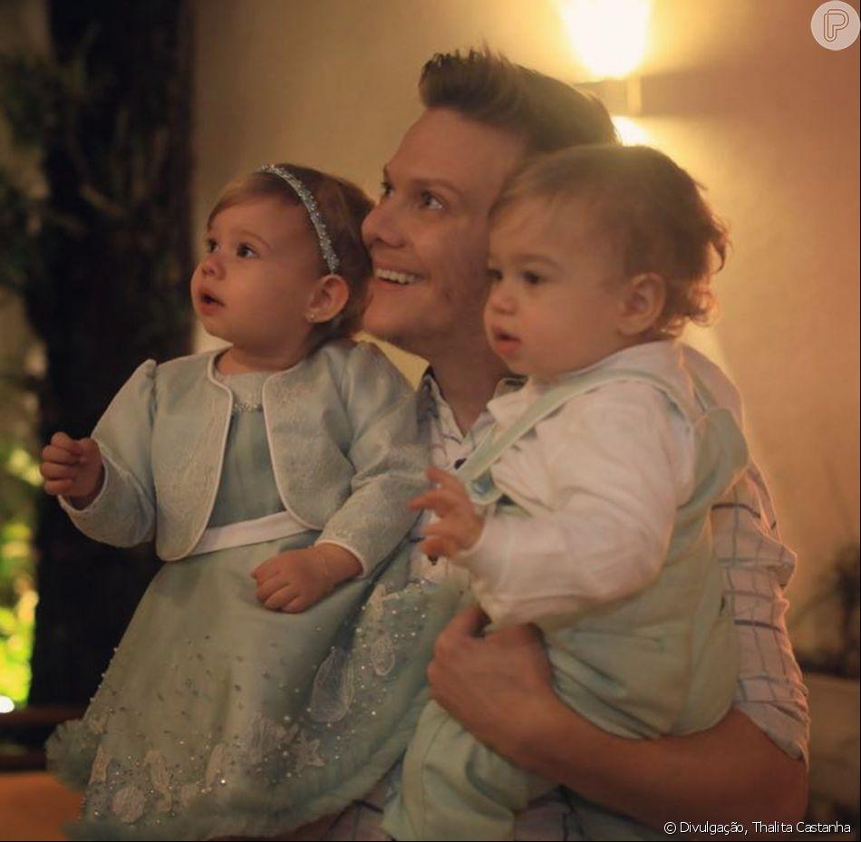 Thais Fersoza elogiou a atuação de Michel Teló como pai neste domingo, 12 de agosto de 2018