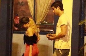 Joelma e ex Alessandro Cavalcante passeiam de mãos dadas após jantar. Fotos!